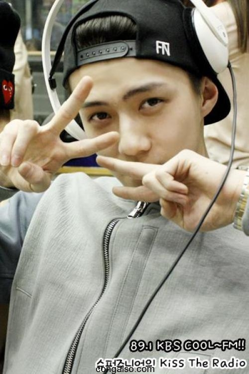 Mặt mộc của các thành viên EXO: người đẹp kẻ xấu giật mình