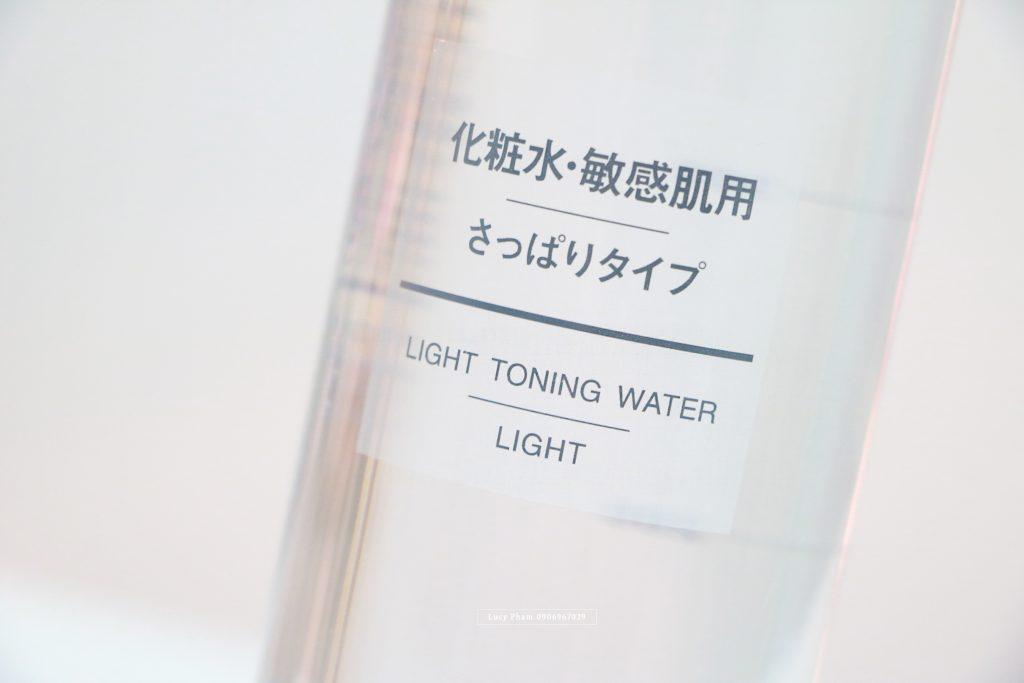 nuoc-hoa-hong-muji-light-toning-water-light-cho-da-nhay-cam