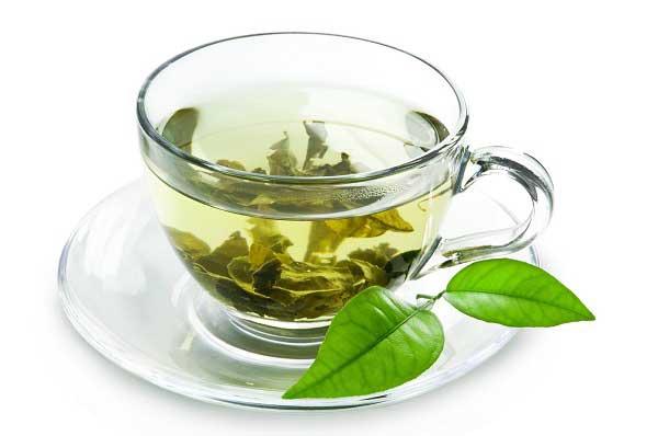 Điều trị vảy nến bằng cách uống trà xanh mỗi ngày