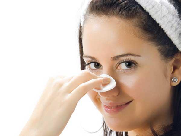 Cách sử dụng nước hoa hồng đối với dưỡng da