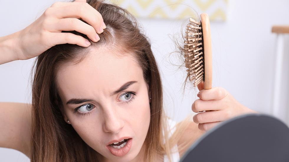 Rụng tóc nhiều khiến bạn lo lắng